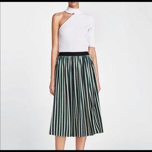 NWT Zara Micro- Pleaded Velvet Skirt